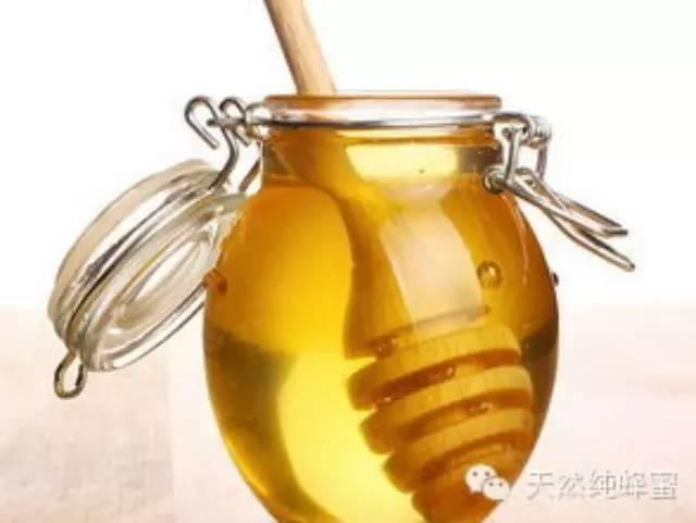 蜂胶的作用与功效 什么牌子蜂蜜最好 纯正土蜂蜜的价格 蜂蜜柚子茶多少钱 什么牌子的蜂蜜好
