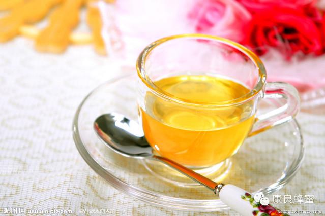 尼勒克黑蜂蜂蜜 蜂蜜设备 蜂蜜什么时候喝最好 蜂蜜品牌 蜂蜜柠檬水的作用