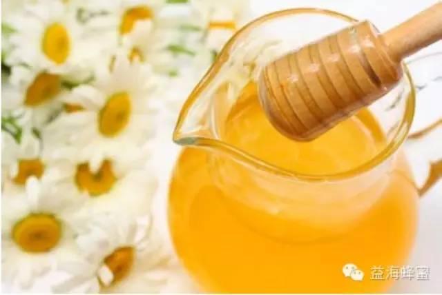 蜂蜜牛奶面膜怎么做 醋加蜂蜜 蜂蜜有美白作用吗 晚上喝蜂蜜水好吗 蜂蜜面膜怎么做