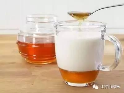 蜂蜜腰果 蜂蜜的作用与功效 蜂蜜蜂王浆 蜂蜜有什么好处 生姜加蜂蜜