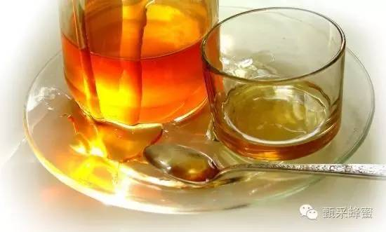 柠檬蜂蜜水的做法 怎样制作蜂蜜面膜 蛋白质 怎么吃蜂胶 蜂蜜真假辨别