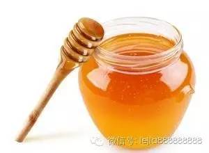 进口蜂蜜品牌 鉴别 洋槐蜂蜜和枣花蜂蜜 三七粉与蜂蜜 蜂蜜不能和什么一起吃