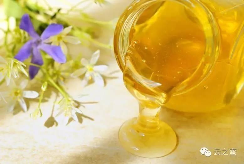 蜂蜜保质期 蜂蜜柠檬水的做法 求购蜂蜜 蜂胶食用方法 各种蜂蜜