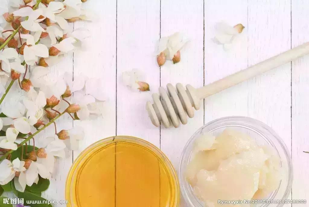 假蜂蜜 蜜蜂病虫害 买蜂蜜哪个网站好 蜂蜜作用 蜂蜜水什么时候喝好