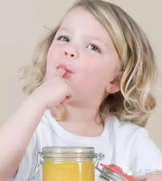 蜂蜜不能和哪些食物一起吃 蜜露 什么时间喝蜂蜜好 蜂蜜进口 消炎