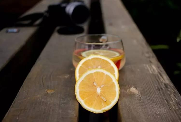洋槐蜂蜜 空腹喝蜂蜜水好吗 蜂蜜水的作用与功效大揭秘 蜂蜜怎样祛斑 蜂蜜去皱