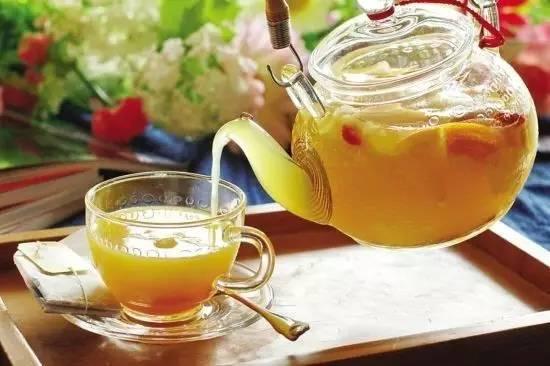 蜂蜜牛奶面膜怎么做 土蜂蜜价格 柠檬蜂蜜茶 喝蜂蜜水的好处 葵花蜂蜜