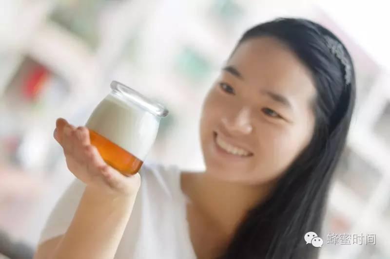 蜂蜜柚子水 恒寿堂蜂蜜柚子茶价格 蜂蜜保存方法 生姜蜂蜜水 悦诗风吟蜂蜜面膜