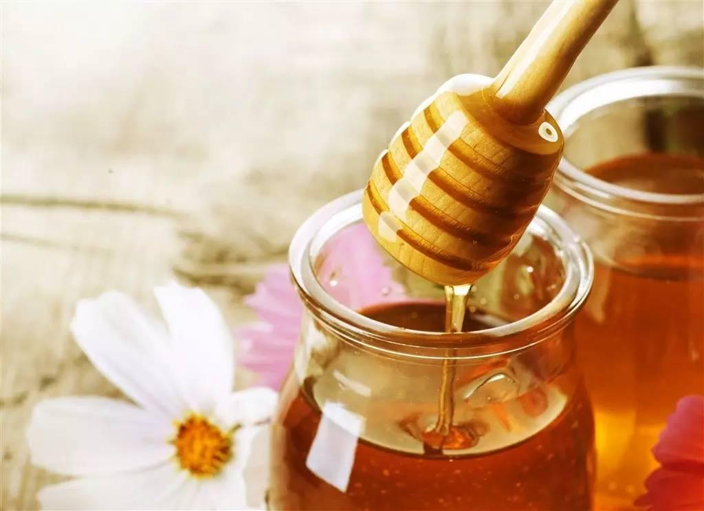 蜂蜜吃法 蜂蜜厂 怎么养蜂蜜 蜂蜜祛斑 孕妇喝蜂蜜水好吗