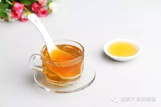 鸡蛋蜂蜜面膜 蜂蜜真假辨别方法 蜂毒的功效与作用 柑橘蜂蜜 用蜂蜜做面膜