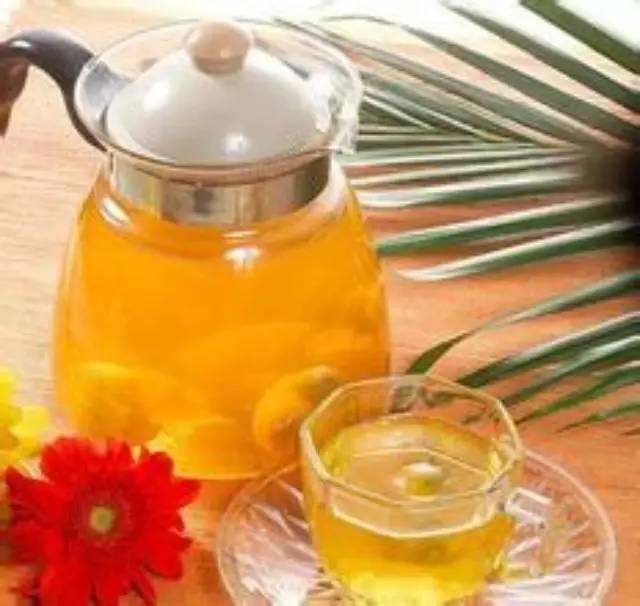蜂蜜可以治疗鼻炎吗 蜂蜜好吗 珍珠粉和蜂蜜 用蜂蜜自制去皱眼霜 吃蜂蜜的好处