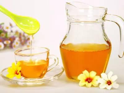 割蜂 蜂巢蜜 野生蜂蜜的价格 制作蜂蜜面膜 什么样的蜂蜜才是好蜂蜜