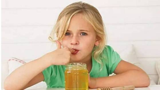 蜂蜜洗脸 怎么辨别蜂蜜真假 蜂蜜哪里的好 枇杷蜂蜜 喝蜂蜜水的好处