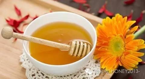 妇女保健 槐花蜂蜜的作用 蜂蜜祛痘 蜂蜜丰胸 软膏
