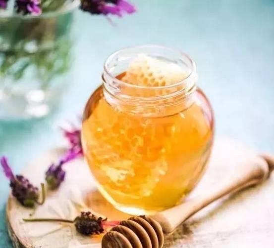 蜂蜜姜茶 蜂蜜美白祛斑 蜂蜜的功效 蜂蜜知识讲堂 那种蜂蜜好