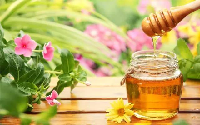 蜂蜜的成分 蜂蜜食用人群 蜂蜜作用 肥胖 糖尿病