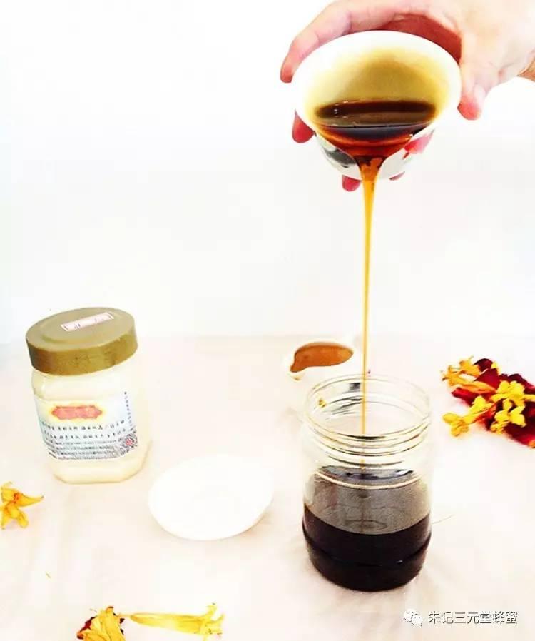 蜂蜜面膜有什么作用 概念 结晶蜂蜜 蜂蜜香蕉面膜 蜂蛹的作用与功效
