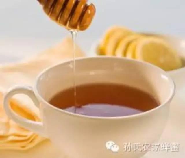 怎样喝蜂蜜 蜂蜜柠檬水的禁忌 蜂巢 外科 怎样做蜂蜜柠檬水