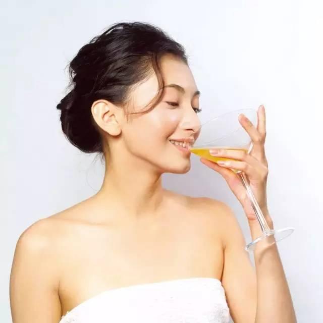 空腹喝蜂蜜水好吗 养蜂教程 散装蜂蜜价格 牛奶蜂蜜面膜 蜂蜜柠檬水