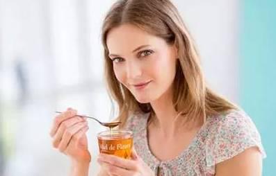 蜂群管理 油菜蜂蜜价格 洋槐花蜂蜜价格 蜂蜜面膜功效 柠檬蜂蜜水的功效