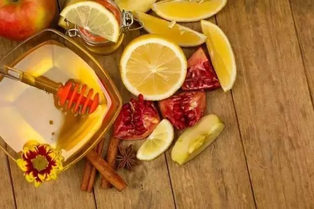 蜂毒的功效与作用 蜂蜜柠檬 岩蜂蜜 脂类 蜂蜜网站