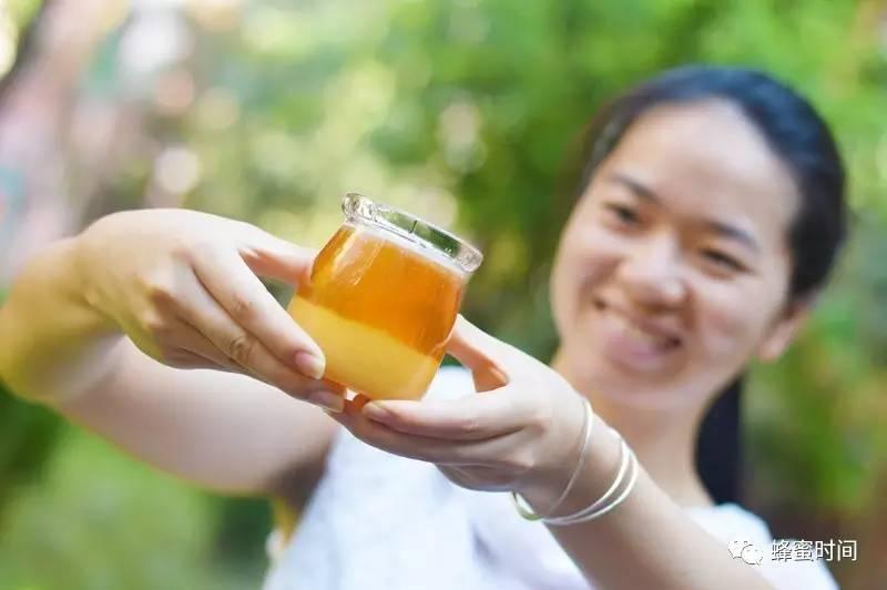 在哪买蜂蜜好 养蜂生活 什么品牌蜂蜜好 孕妇能喝蜂蜜吗 花蜜