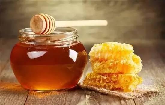 什么蜂蜜排毒养颜 蜂蜜经销 蜂蜜怎样去斑 冻干粉 洋槐蜂蜜的功效