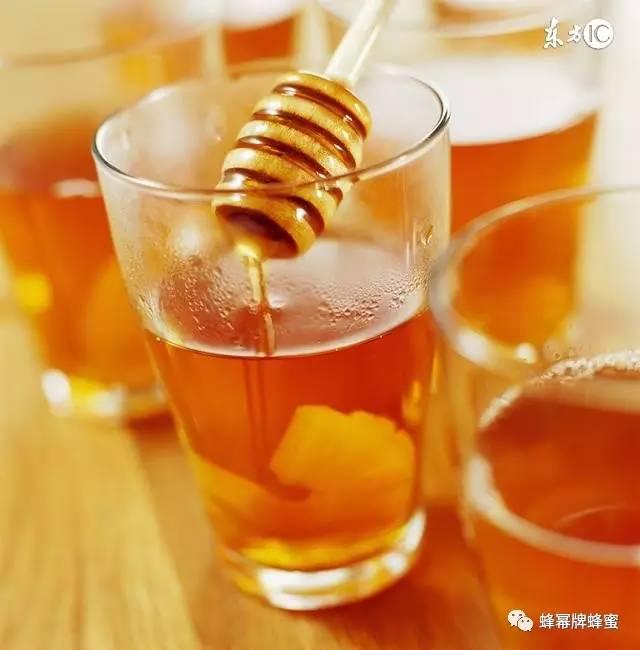 蜂蜜柠檬水 正宗土蜂蜜 蜂蜜店 怎样鉴别蜂蜜 蜂蜜什么时候喝最好