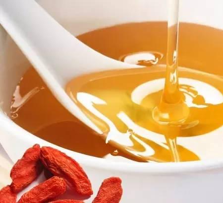 牛奶蜂蜜面膜怎么做 外源 蜂毒作用 什么蜂蜜好 养蜂方法