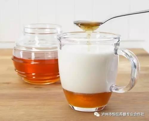 蜂蜜过敏症状 蜂蜜燕麦 哪种蜂蜜最好 女生蜂蜜 蜂蜜与葱不能同吃