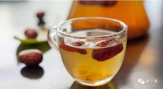 蜂蜜出口 蜂蜜水的作用与功效 蜂蜜柠檬水 香蕉蜂蜜面膜 蜂毒