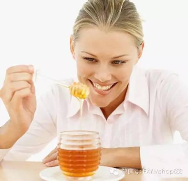 蜂蜜祛斑法 蜂蜜眼膜 什么品牌的蜂蜜最好 蜂蜜有什么好处 喝蜂蜜水