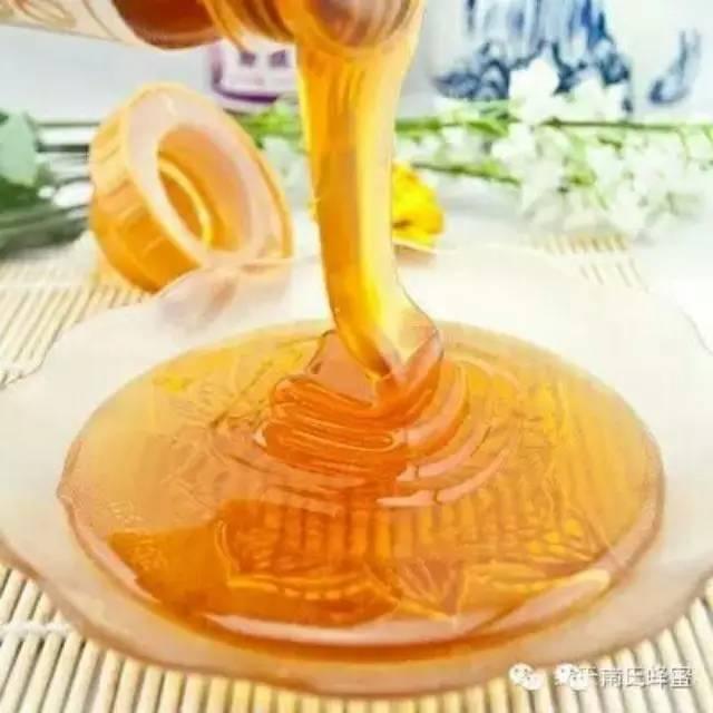 用蜂蜜怎么做面膜 早晨喝蜂蜜水的好处 南瓜蜂蜜蛋糕 无刺蜂经济价值 女生蜂蜜