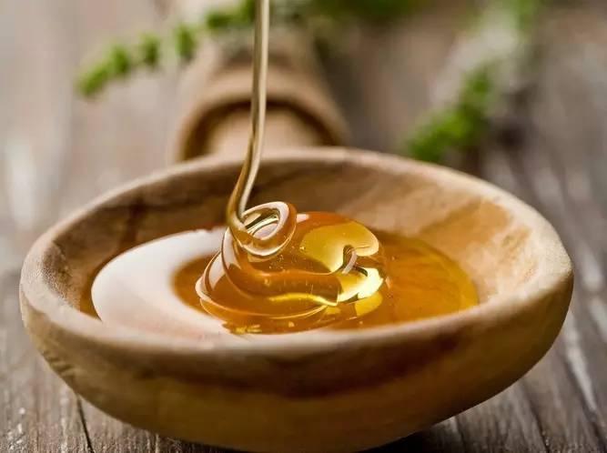 孕妇可以喝蜂蜜吗 各种蜂蜜的作用 蜂蜜标准 蜂蜜去斑法 高血压