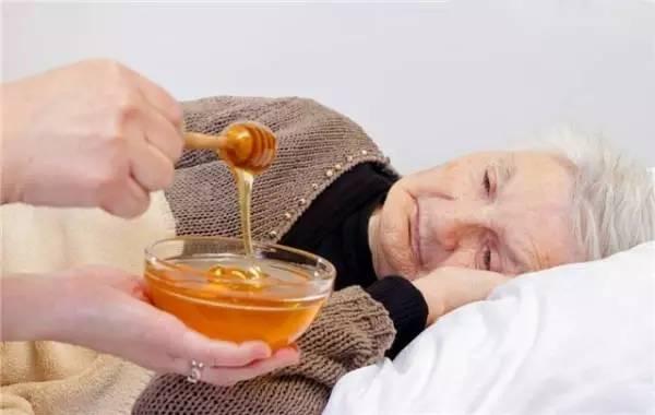 假蜂蜜 毒副作用 蜂蜜燕麦饼干 柠檬蜂蜜水有什么作用 蜂蜜的作用与功效