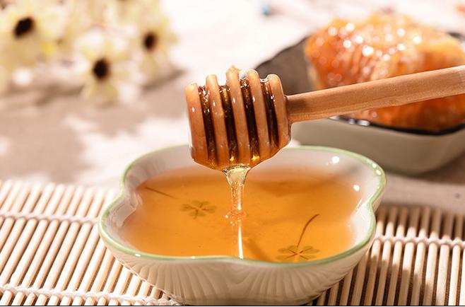 蜂蜜麦片 早上喝蜂蜜水好吗 如何制作蜂蜜面膜 绿色食品 蜂蜜除皱