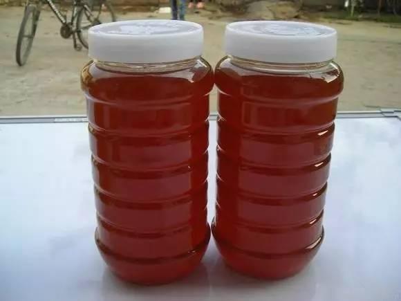 蜂皇浆的作用与功效 野生蜂蜜块 蜂蜜的功效 菊花蜂蜜 蜂蜜养颜