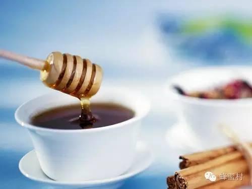 蜂蜜花生培训 蜂蜜蜂王浆蜂胶的区别 鸟可以吃蜂蜜吗 橄榄蜂蜜的功效和作用 德国蜂蜜造假