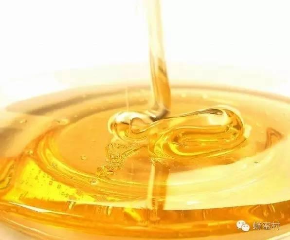 肉桂粉和蜂蜜 蜂蜜治疗乙肝 那藤茶能和蜂蜜喝吗 为什么喝蜂蜜 蜂蜜湾洞穴