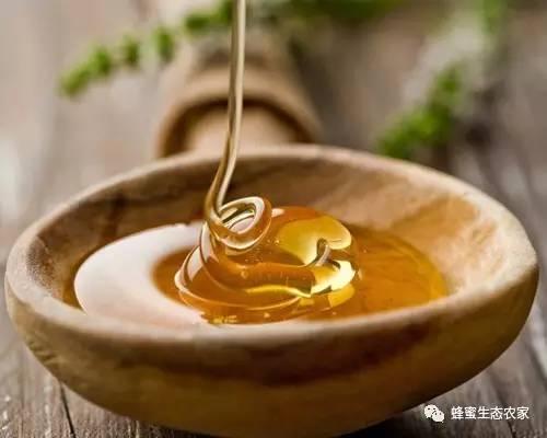 蜂蜜橄榄 糖尿病吃蜂蜜可以吗 常温可以保存蜂蜜吗 枣花蜂蜜的作用 包头蜂蜜