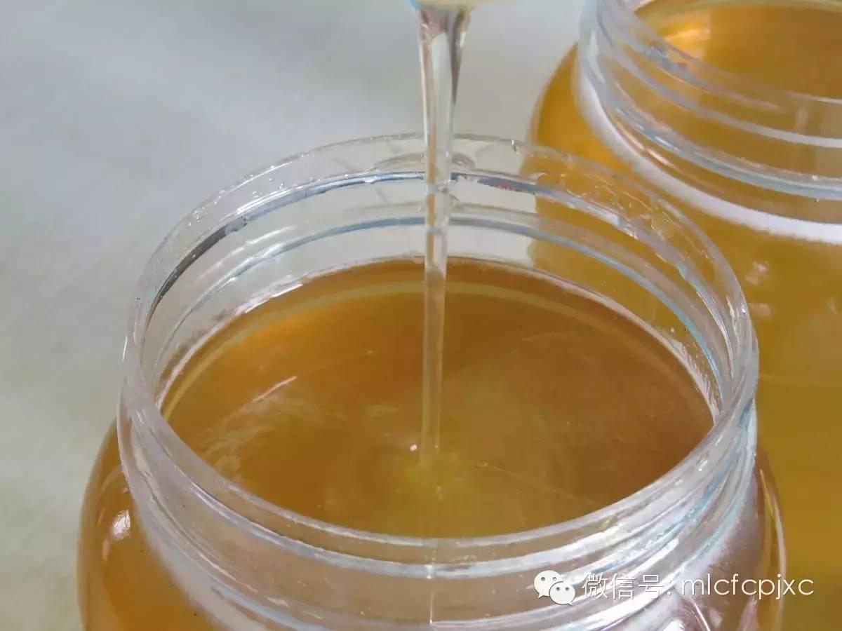 蜂蜜柠檬水 檀棕色蜂蜜茶色 面粉蜂蜜面膜 蜂蜜水喝多少毫升 花蜂蜜