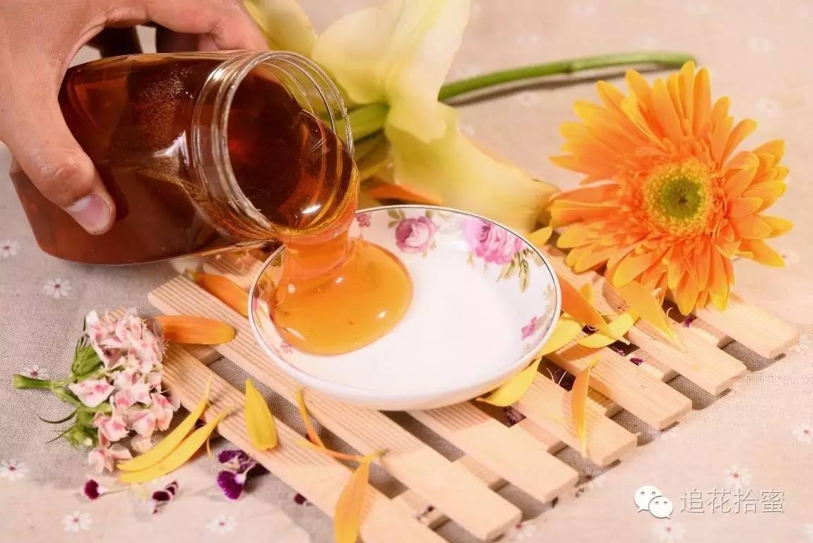 蜂蜜的季节 蜂蜜拿什么装 蜂蜜洗脸有什么好处与坏处 神农野菊花蜂蜜 人流可以喝蜂蜜水不