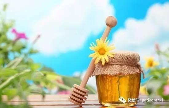 肾病能喝蜂蜜水吗 500g蜂蜜 蜂蜜瓶里有蚂蚁 姜枸杞蜂蜜 长痘痘能涂蜂蜜