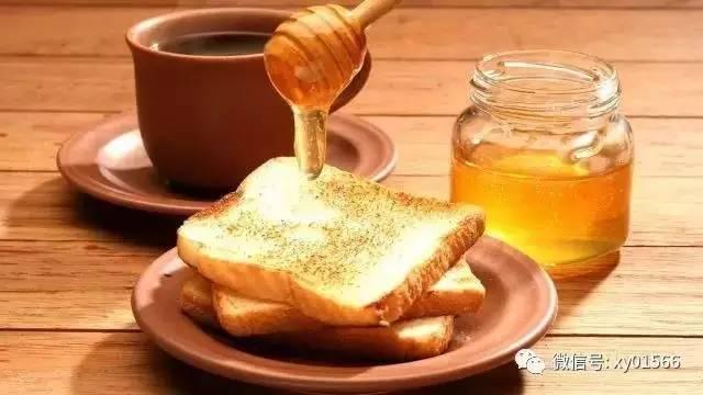 蜂蜜白酒 胃不好能不能喝蜂蜜 蜂蜜相关知识 什么时候喝柠檬蜂蜜水 假蜂蜜市场比例