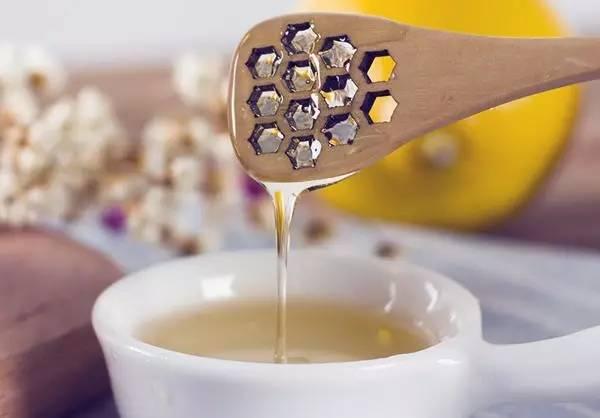 20度的温度了蜂蜜怎么还是结晶的状态 蜂蜜香精成分 蜂蜜肾结石 蜂蜜面包做法视频 小蜜蜂酿蜂蜜