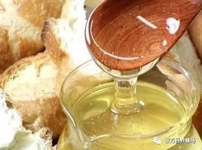 桃花和蜂蜜 止咳冰糖蜂蜜 蜂蜜哪里买 大枣蜂蜜水 蜂具