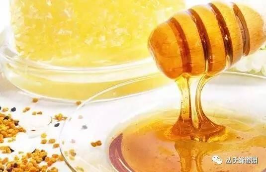 中老年人喝牛奶蜂蜜 蜂蜜水解毒 相依草蜂蜜 蜂蜜蒸橙子怎么做 增肌男生可以喝蜂蜜么