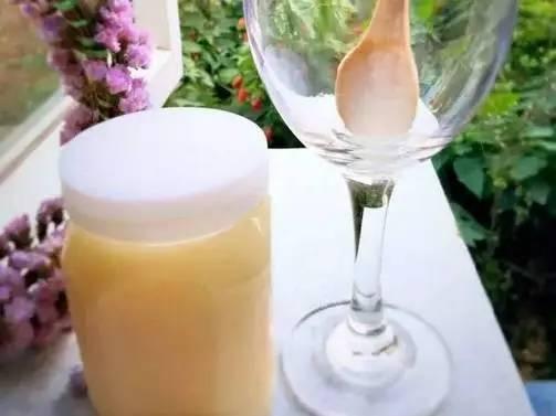 蜂蜜给醋能一起洗脸吗 护肝+蜂蜜 蜂蜜蒸黑芝麻 过期蜂蜜能做面膜吗 怀孕喝柠檬蜂蜜茶