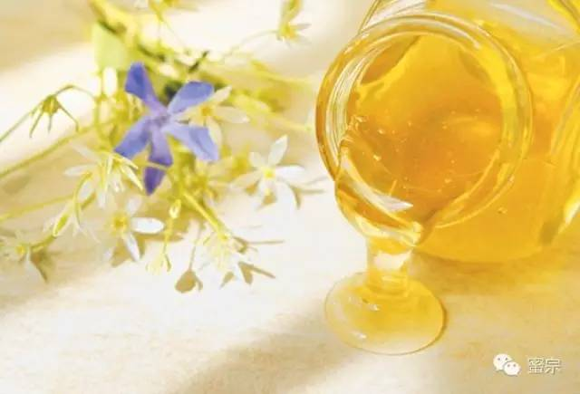 生姜蜂蜜水会上火吗 蜂蜜生姜的功效与作用 欧树蜂蜜洁面怎么样 喝蜂蜜后能喝豆浆吗 蜂蜜白果