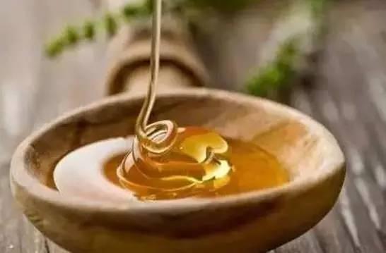 绿豆能和蜂蜜一起吃吗 蜂蜜和带鱼 蜜乐蜂蜜价格 云南蜂蜜批发 十个宝宝可以喝蜂蜜水吗